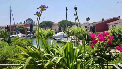 Beautiful duplex apartment set within Port Grimaud