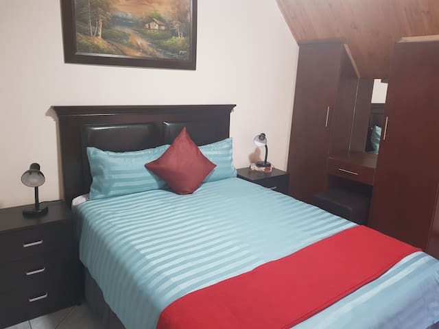 Budget Double Room with Private Entrance/Balcony