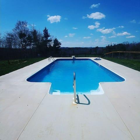 Bolt Manor