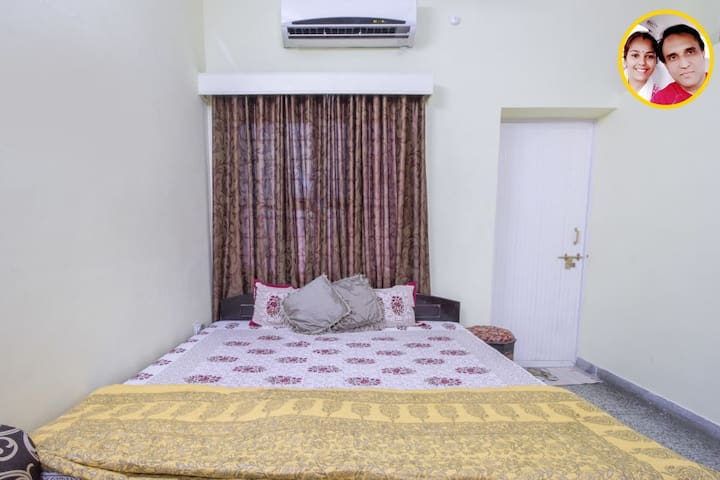 Bed and Breakfast Jaipur Deluxe Room