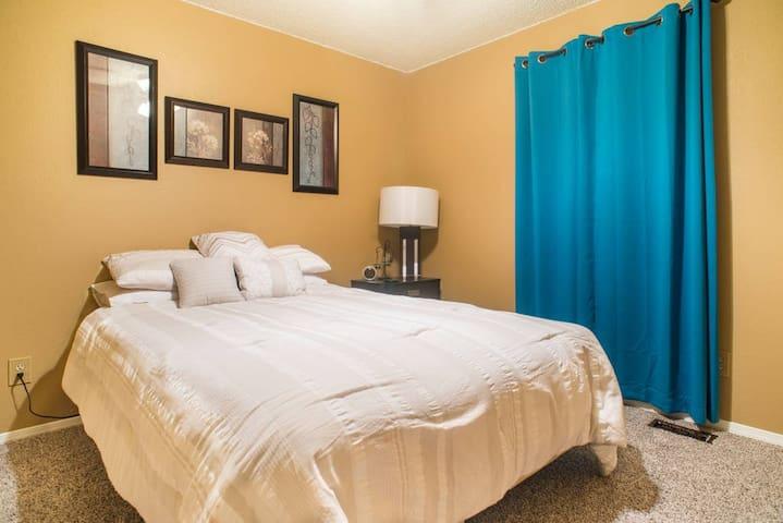 Private room near Roxborough State Park!