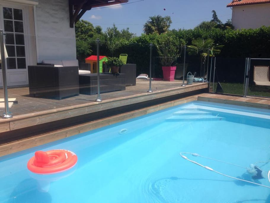 Villa 110m pessac piscine s curis e et chauff e for Piscine pessac
