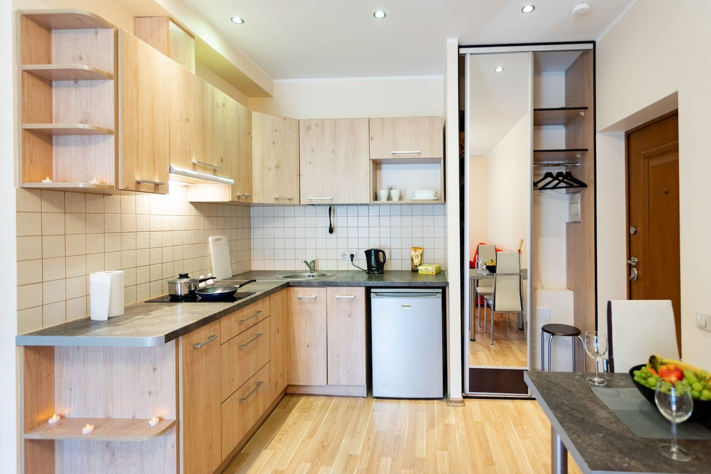 Kitchen with everything you need inside.