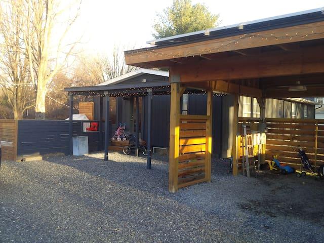 Cute, Updated, Modern Ranch - Stone Ridge - House