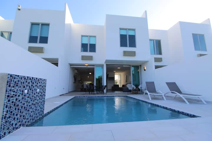 Casa Stella - Luxury Townhouse in Cabo Rojo