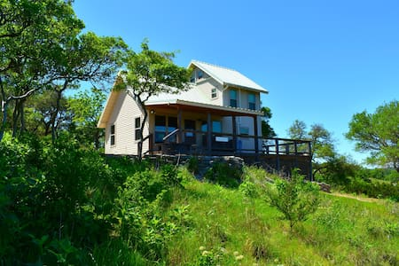 Grandview Wildlife Cabin, Hilltop Views, Secluded