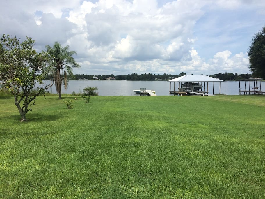 We have a volleyball net, slip n slides, kiddie pool. You name it we prob have it for the backyard! All for you to use! Also, if you have a boat or jet ski, bring them and dock them!