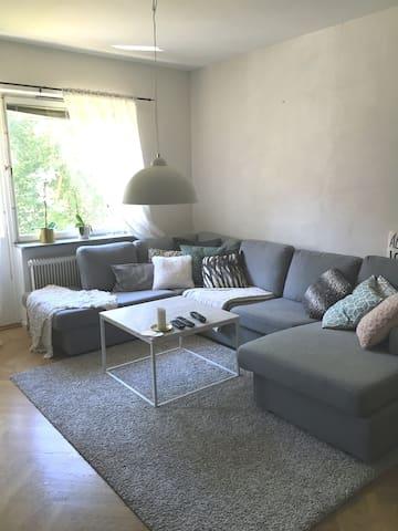 Nice apartment with fireplace and big balcony - Lidingö - Apartamento