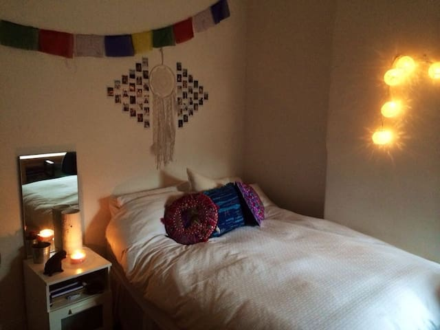 Spacious Room - Redfern/Surry Hills - Redfern - Huis
