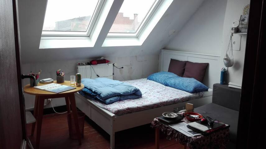 Cozy room close to European Institutions