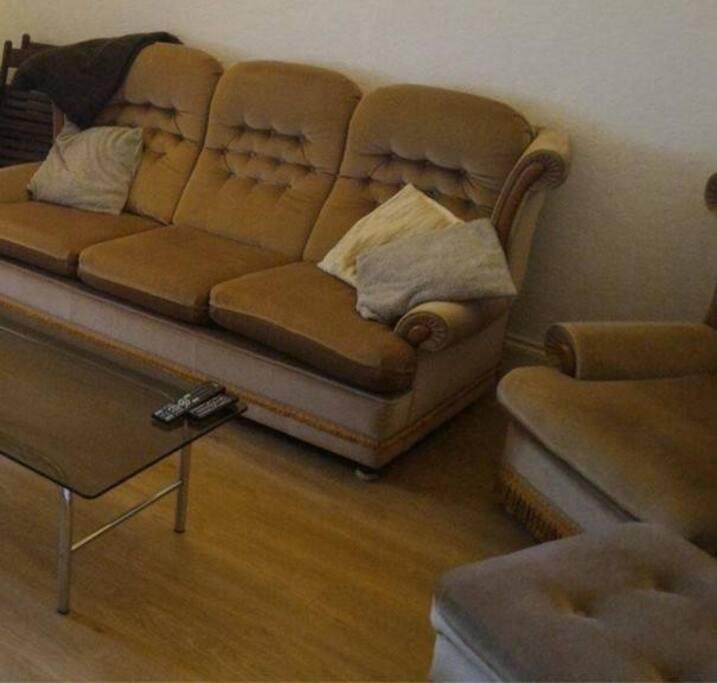 Retro (but comfy!) furniture!