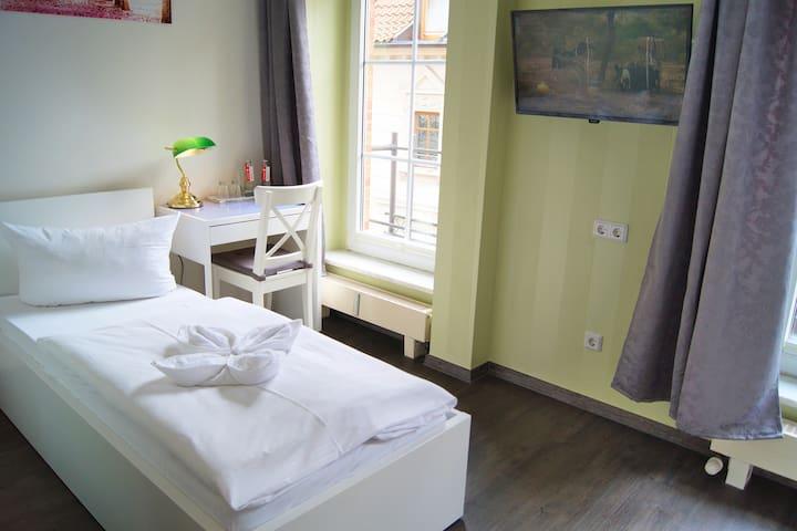 Privat oder geschäftlich - Zweibettzimmer mit WLan
