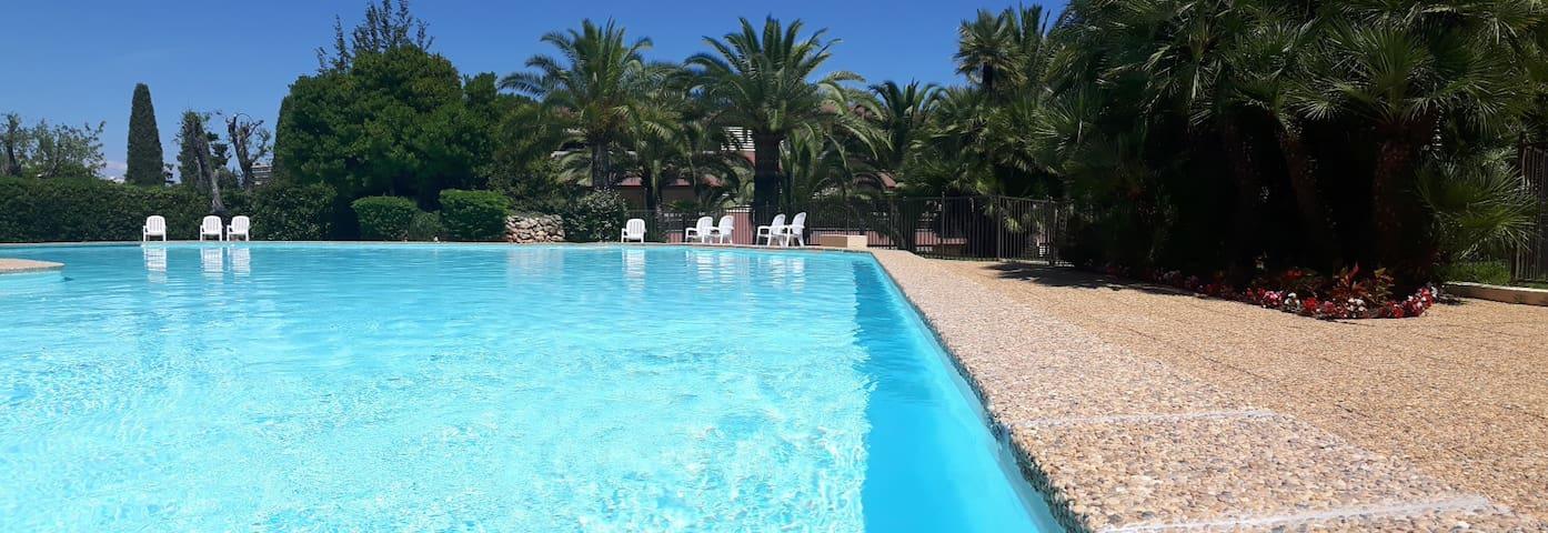 3P vue mer résidence luxueuse avec piscine