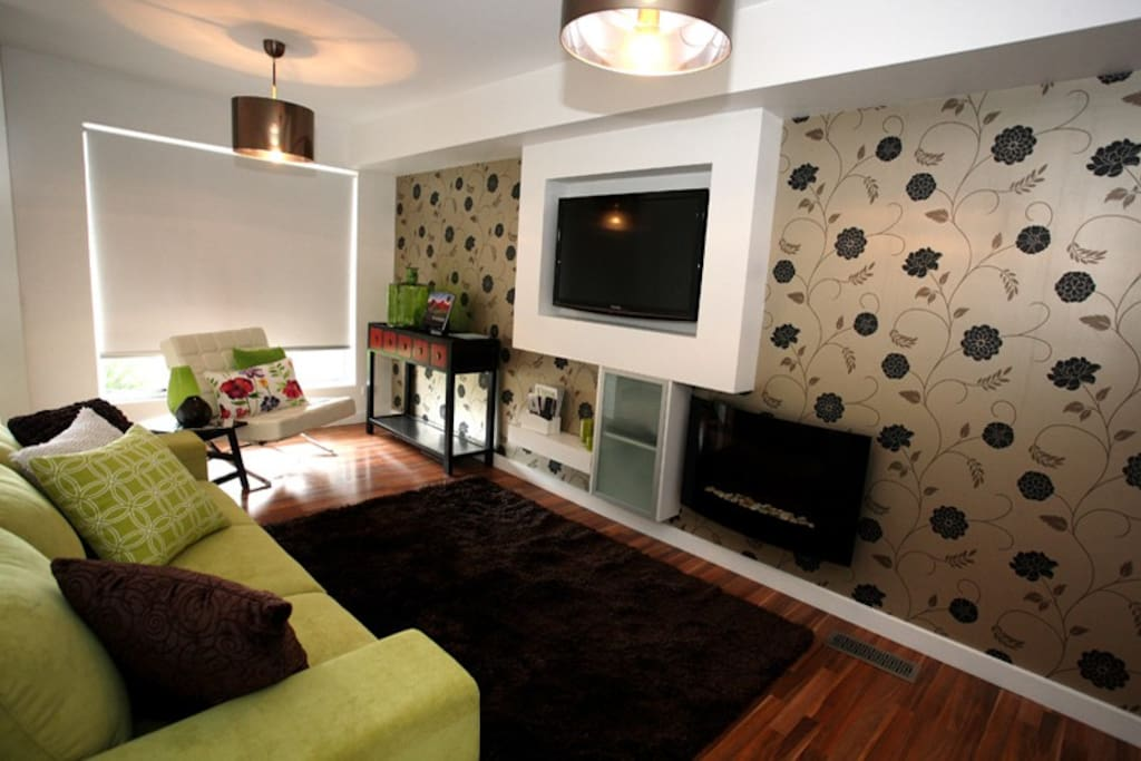 Front lounge with TV
