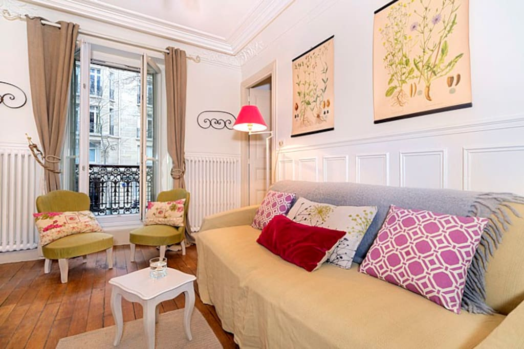 Sleeps up to 5 - Near Eiffel Tower and Champs de Mars Park