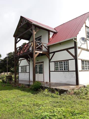 Amazing views, Cosy Cottage on edge of Mzuzu.