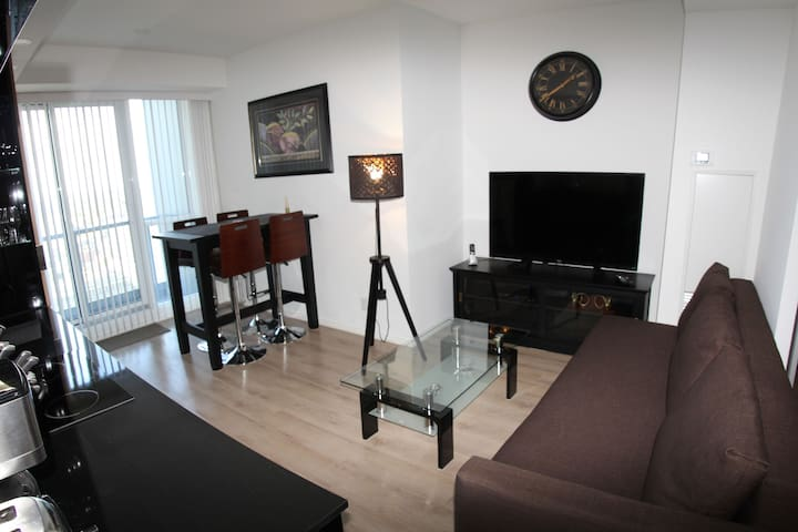 VIP's URBAN HAVEN -1BR HEART OF FINANCIAL DISTRICT