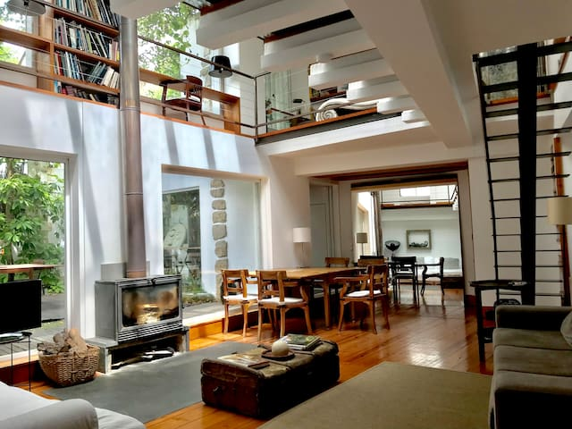 Amazing Mezzanine House w/ Garden and Parking
