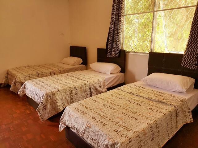 Le Le Seaside Villa Tanjung Aru - Private Room