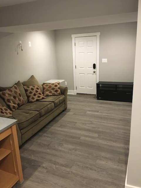 Private Basement Apt mins from BWI- Glen Burnie MD