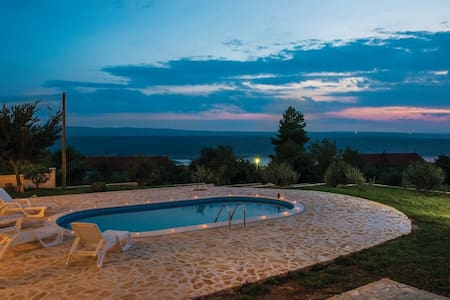 VILLA with POOL! AMAZING SEA VIEW,BBQ,
