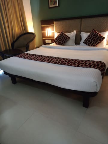 Joance Regency- Executive Double Bed Room , Ac