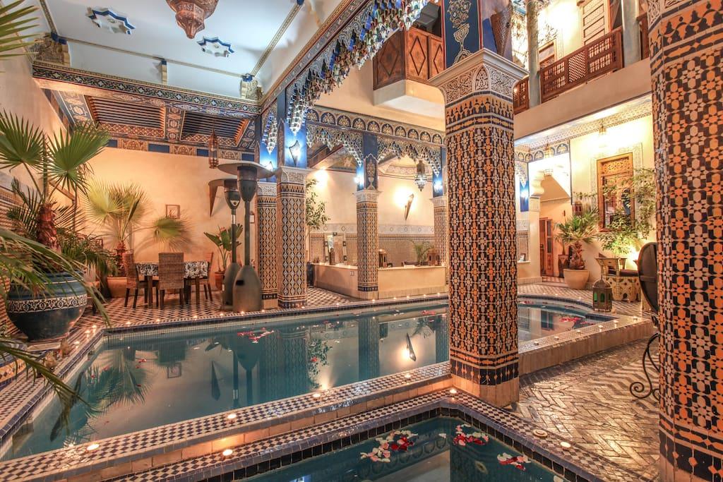Riad a marrakech terrasse medina avec piscine guest for Airbnb marrakech