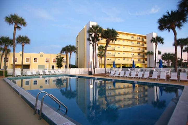 Turtle Reef Club in Jensen Beach FL - Jensen Beach - Condominium