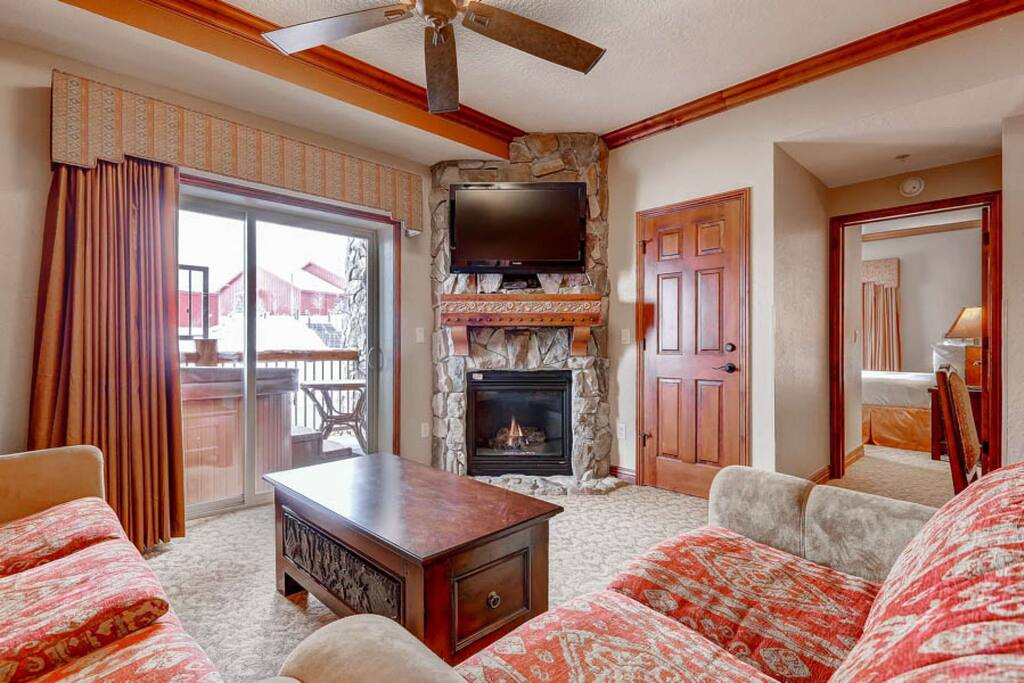 Westgate 4 Bedroom Aspen Grove features a balcony with private Jacuzzi hot tub, fireplace, flat screen HDTV, queen sofa sleeper and views.
