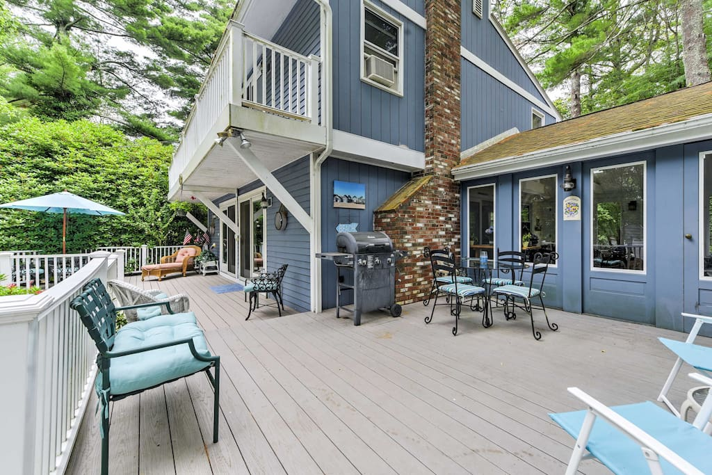 Gather with the whole group outside on the spacious deck.