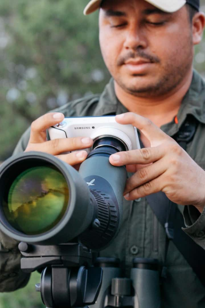 Digiscoping HD videos and photos.