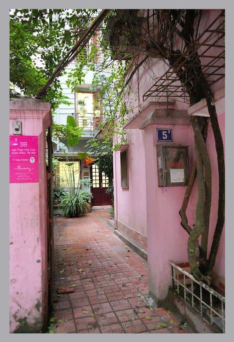 Entrance - 5a Phan Huy Chu alley