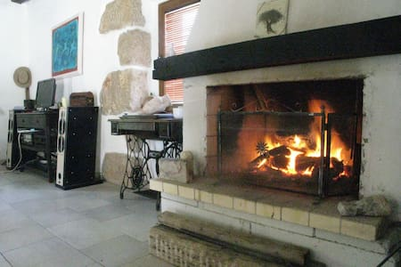 Stone house apartment, 80m2+air&stone&wood&fire - Kras