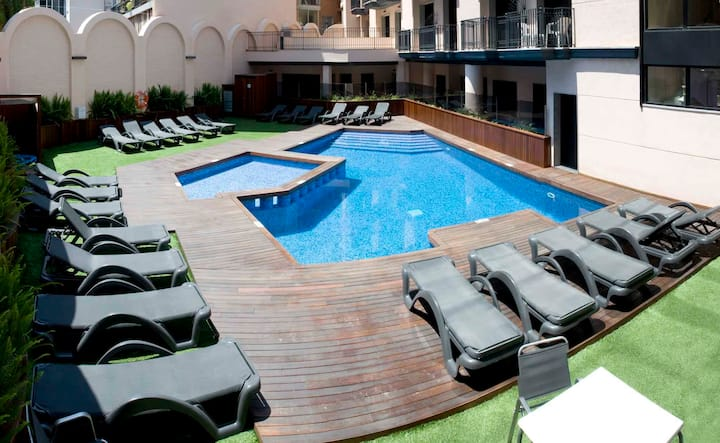 Hotel apartment for 2+2 persons with pool R80407