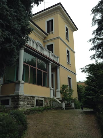 Esclusivo appartamento in villa 900 - Varese - Apartmen