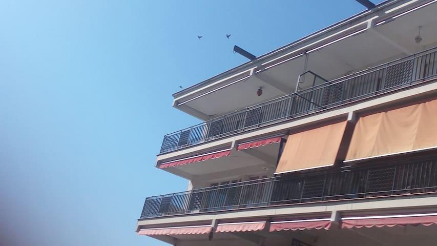 Apartamento amueblado a 5 minutos de la playa - Arenys de Mar - Apartment