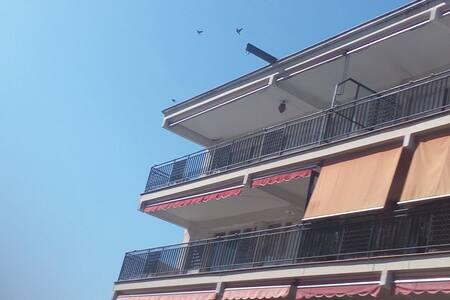 Apartamento amueblado a 5 minutos de la playa - Arenys de Mar - 公寓