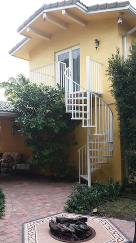 Private Detached Guest Suite. - Boca Raton - Hus
