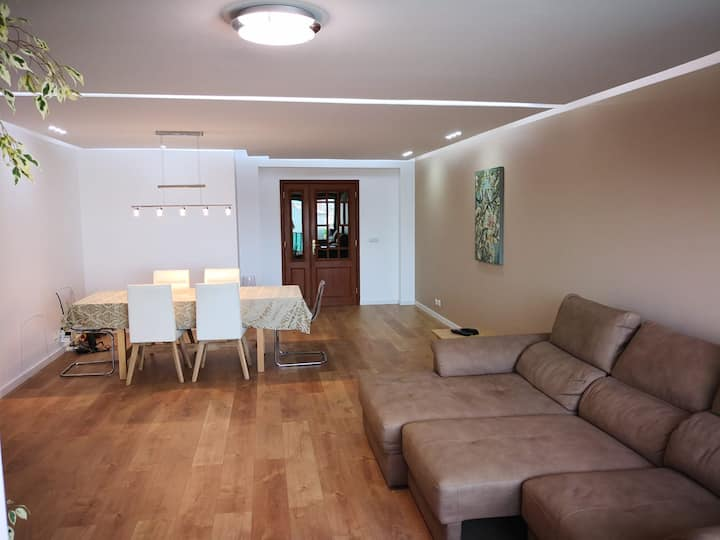 Large apartment with sea view, 2 bedrooms, garage