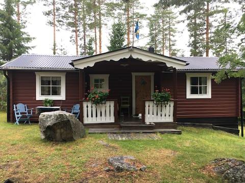 Stuga vid sjö (Tunsjödammen) 11 km från Sollefteå