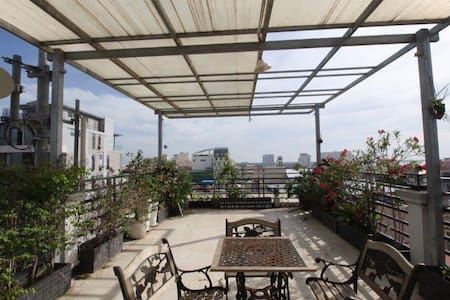 Serviced apartment with elevator & Big terrace - Phnom Penh - Aparthotel