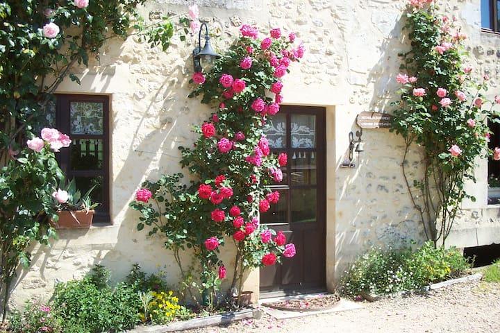 Chambre au moulin dans le Perche - Gémages - Bed & Breakfast