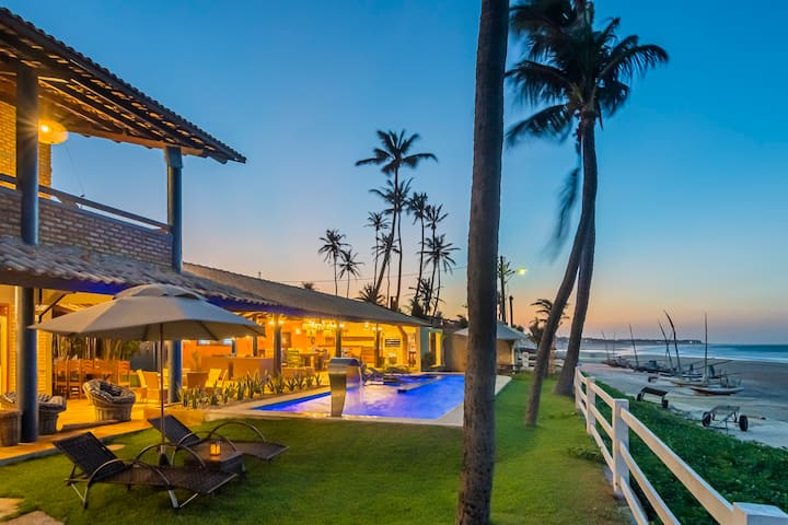 Casa Guajiru em frente ao mar com serviço incluso
