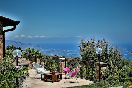 Casa Greli, typical Sicilian house with a view