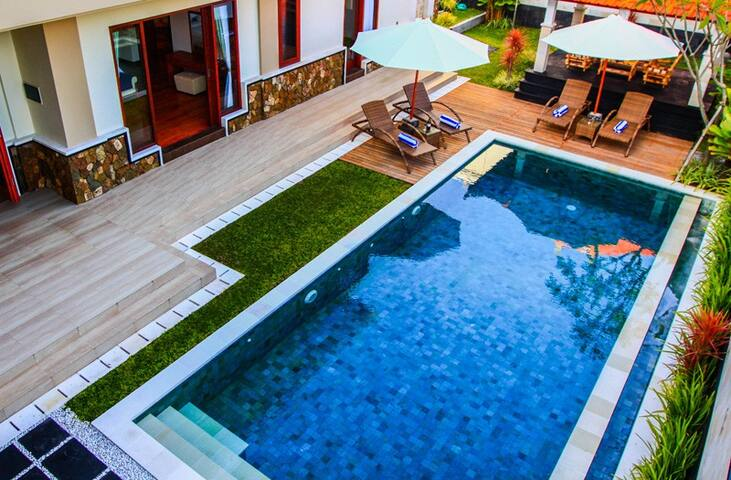Best Deal Book 3 BR Pool Villa Sabasanti, Staff - Blahbatuh