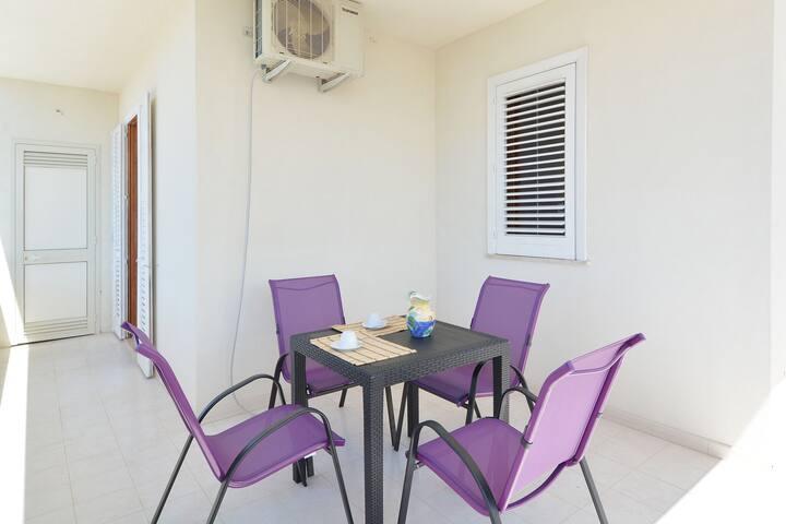 Capacious Apartment in Marina Di Ragusa near Seabeach