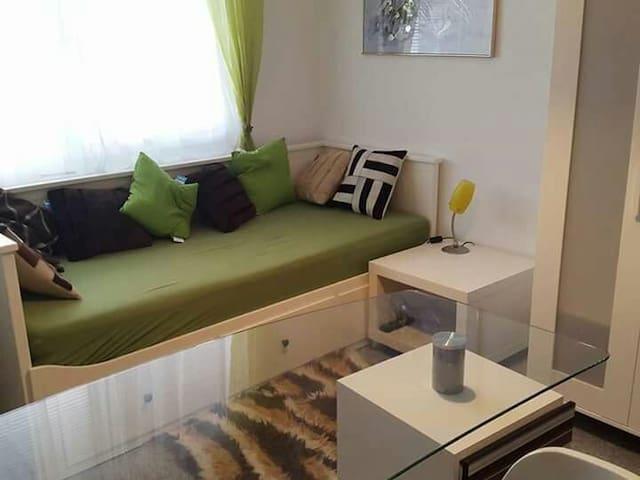 Komfortables und sauberes Zimmer - Eisenstadt, Burgenland, AT