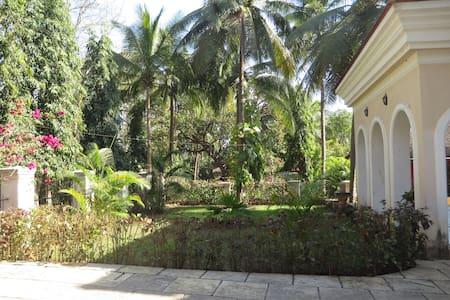 Beautiful modern villa in Corjuem, North Goa. - Aldona