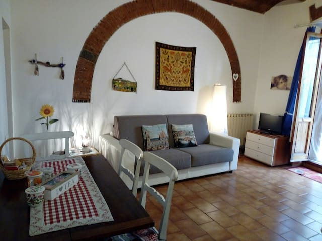 Private Parking, WiFi, small garden : Casa Frank