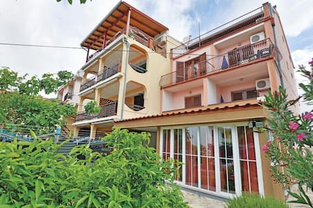 Sv. Filip i Jakov - Villa La More - Biograd na Moru - Apartamento